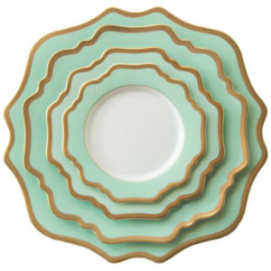 Wholesale Ceramic Porcelain China Luxury Green Gold Rim Charger Plates For Wedding